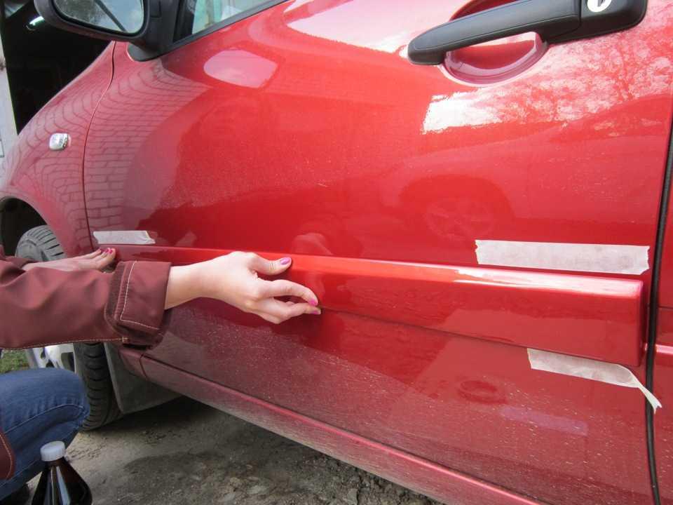 Виды накладок на автомобиль Описание хромированных самоклеющихся молдингов, а так же инструкция по установке молдингов на кузове автомобиля