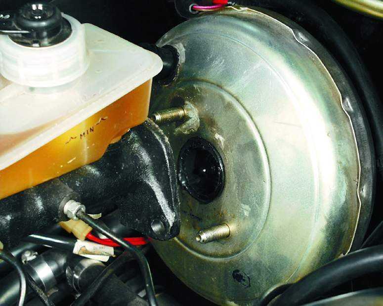 Устройство вакуумного усилителя тормозов: проверка, принцип работы и ремонт
