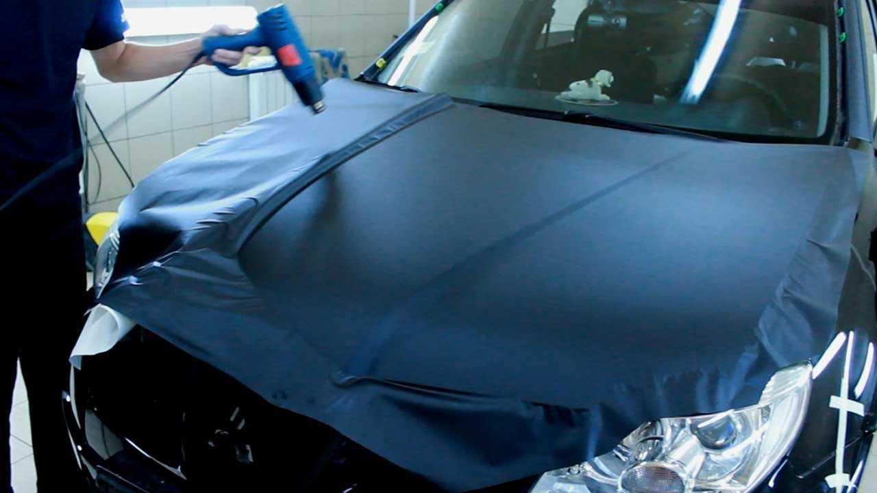 Клейка виниловой пленки - что нужно знать для самостоятельной оклейки автомобиля Инструкция по наклейке пленки на автомобиль Виды виниловых пленок
