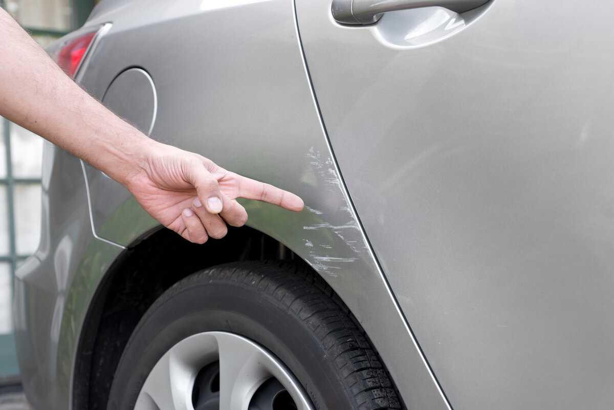 Как наносить лак на авто