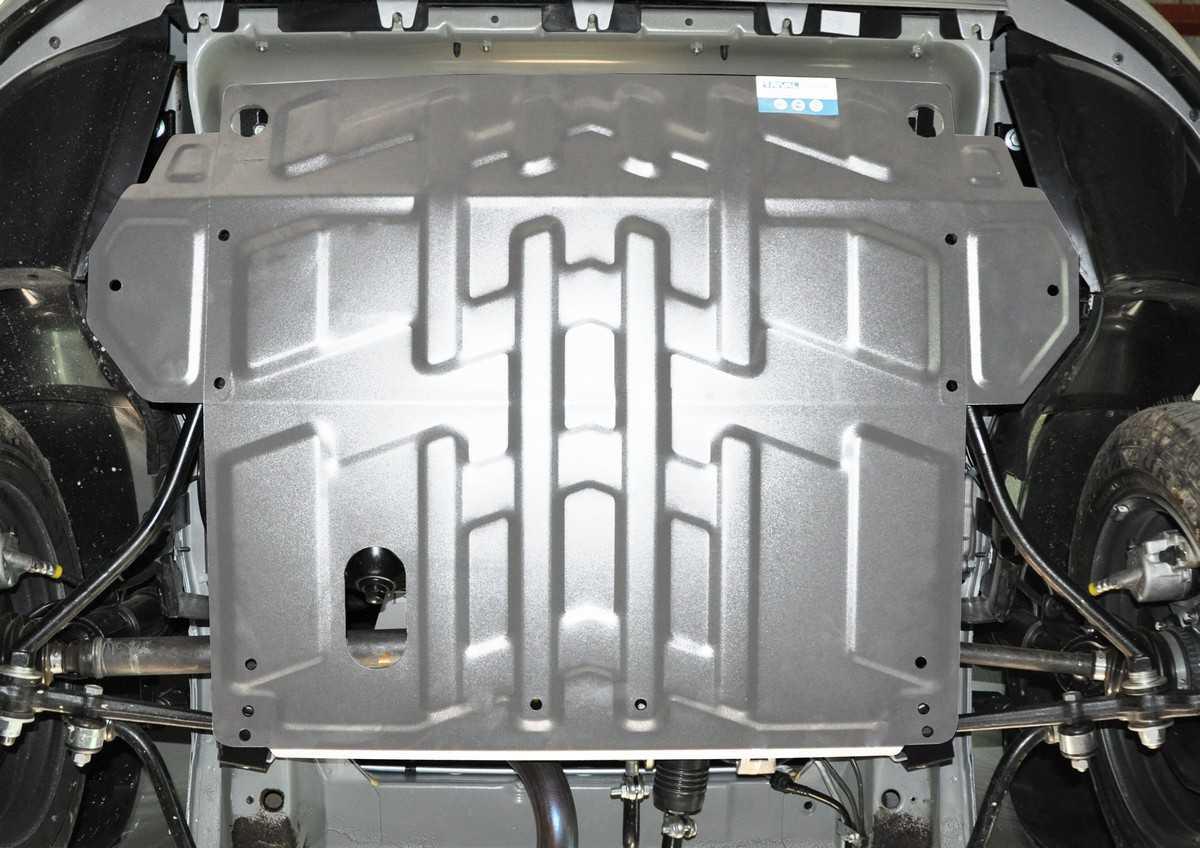 Какая защита картера двигателя бывает и как её выбрать