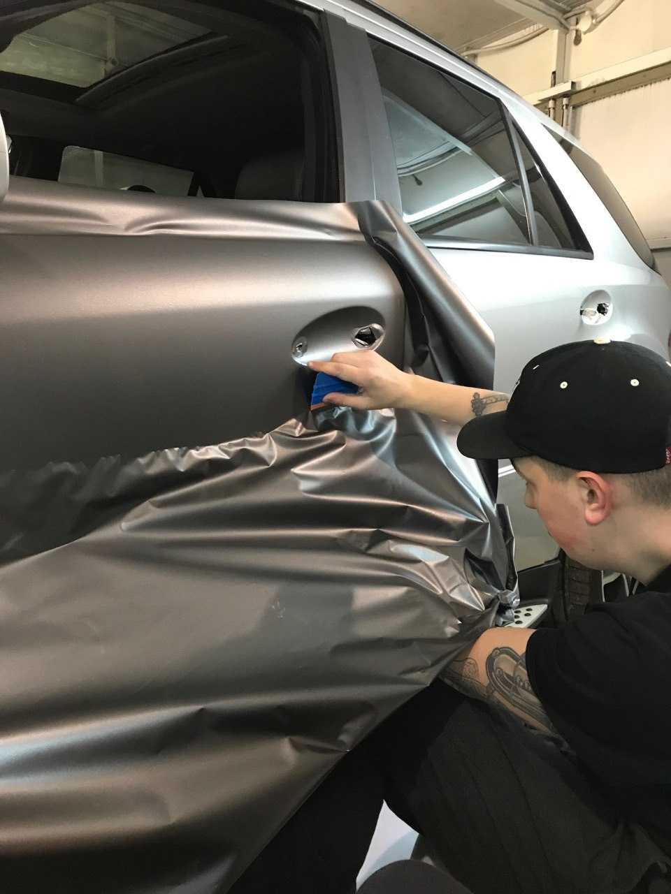 Тюнинг авто виниловой и карбоновой пленкой: инструкция по оклейке   авточас