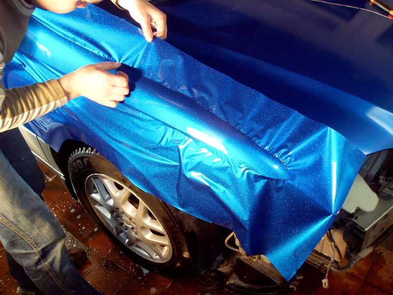 Оклейка автомобиля виниловой пленкой своими руками